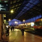Après une courte nuit dans le train, attente du TER à Narbonne
